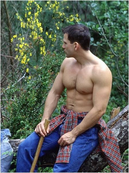 Голые парни в лесу тренируются фото 194-920